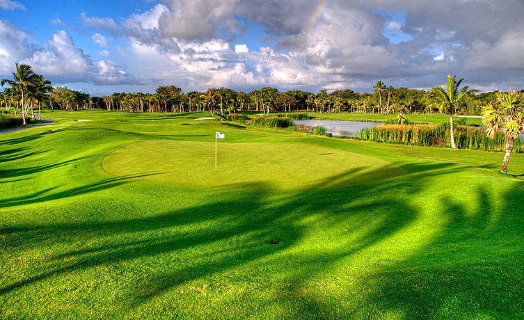 The Lake Barcelo Golf Course bei Punta Cana, Dominikanische Republik
