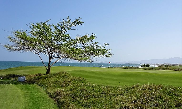 Al Mouj Golf in Muscat / Golfreisen Oman