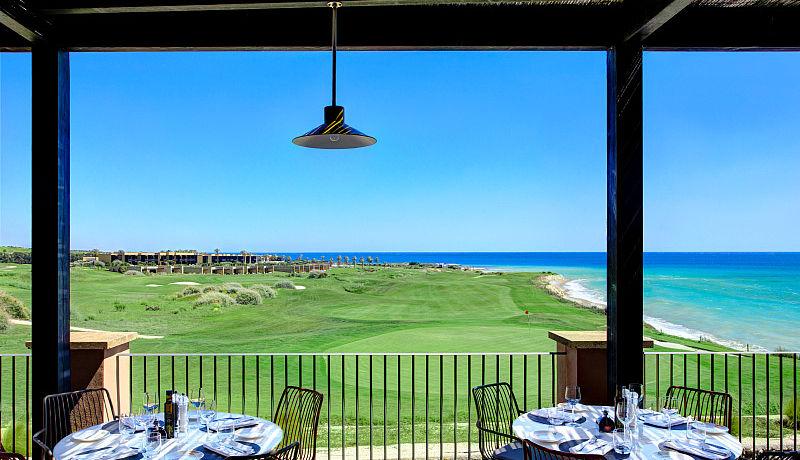 Torre Bar beim Verdura Golf Spa Resort auf Sizilien, Italien